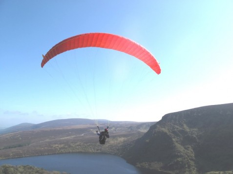 Learn to paraglide: what is the first step? - AWE365